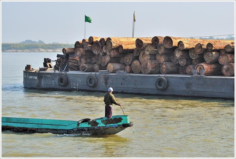 1伊洛瓦底江運木船