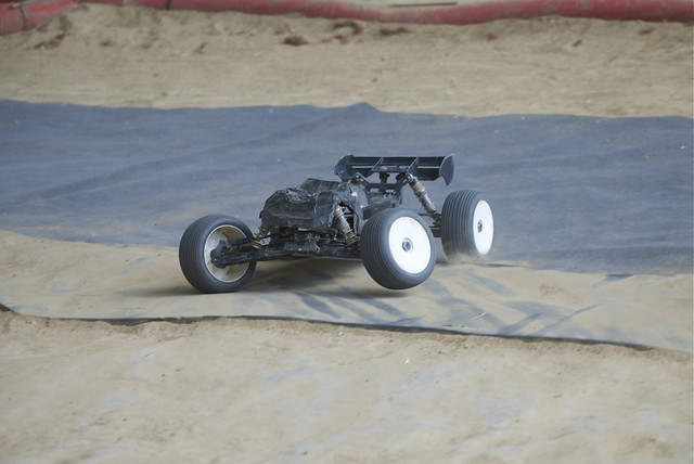 Buggy Losi 8ight 2.0 EU Brushless - Page 3 14679085462_f3f3850bc3_z