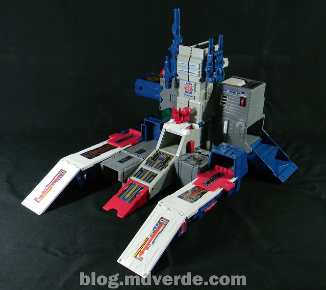 Transformers Fortress Maximus G1 Encore - modo base