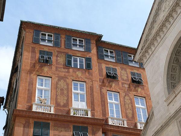 façade orange