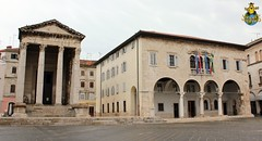 Pula: Temple of Augustus & City Hall