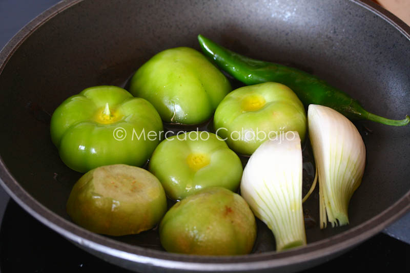 ROASTED TOMATILLO GUACAMOLE-4