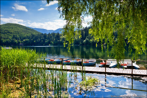 italy lake nature water del landscape boats lago outdoors see tirol grande europe strada italia south di rowing alto 1022mm gi trentino vino südtirol bolzano altoadige southtyrol adige eppan sudtirolo groser monticolo trentinoaltoadige appiano lagodimonticolo appianosullastradadelvino montigglersee weinstrase montiggler eppananderweinstrase trentinosüdtirol grosermontigglersee lagodimonticologrande