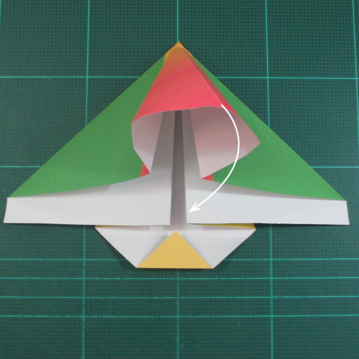 วิธีพับกระดาษเป็นรูปนกแก้ว (Origami Parrot) 012