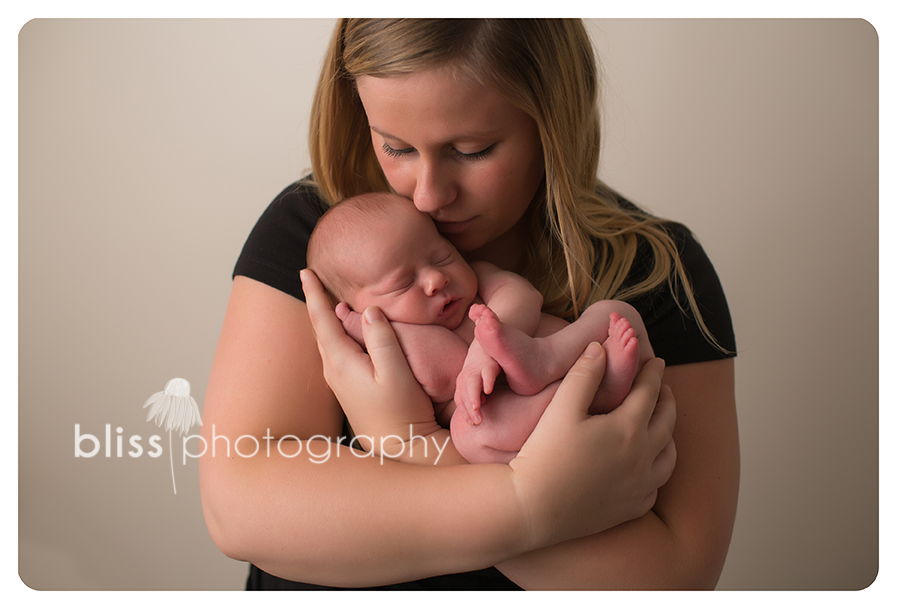 mom newborn bliss photography-1016