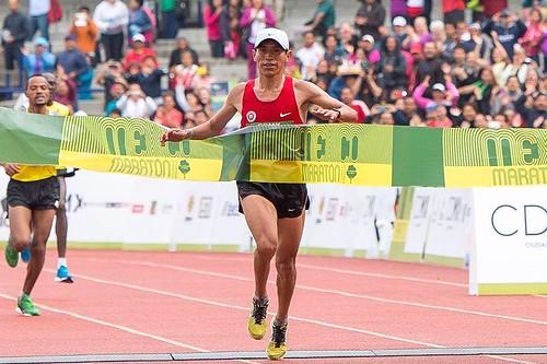 Raul Pacheco ganador del Maratón Ciudad de México