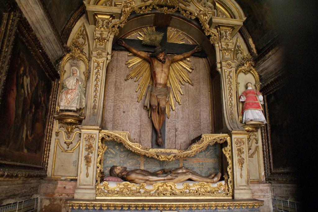 Statue de Jésus dans une chapelle de la Cathédrale Sé à Lisbonne.