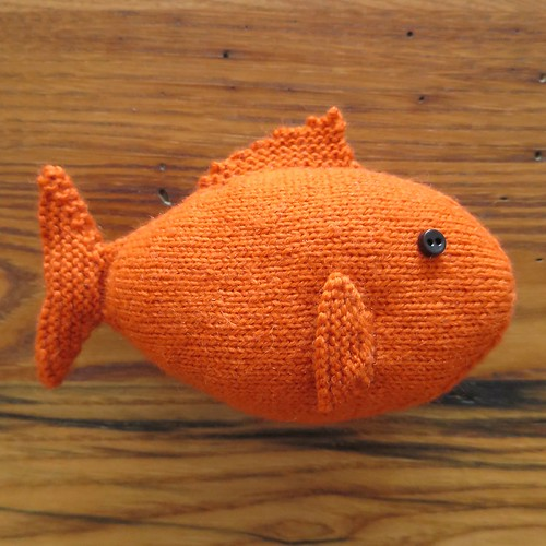 Knit Fish Pattern : Just Crafty Enough   Project: Knit Fish