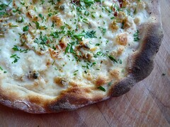 clam pizza 1