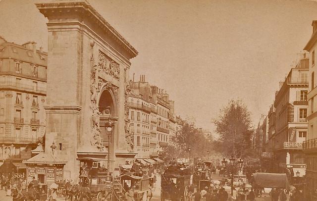 La Porte Saint-Denis vers 1890.