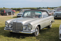 mercedes-benz w114(0.0), studebaker silver hawk(0.0), automobile(1.0), automotive exterior(1.0), mercedes-benz w112(1.0), vehicle(1.0), mercedes-benz w108(1.0), mercedes-benz(1.0), compact car(1.0), mercedes-benz w111(1.0), antique car(1.0), sedan(1.0), classic car(1.0), vintage car(1.0), land vehicle(1.0), luxury vehicle(1.0), convertible(1.0),