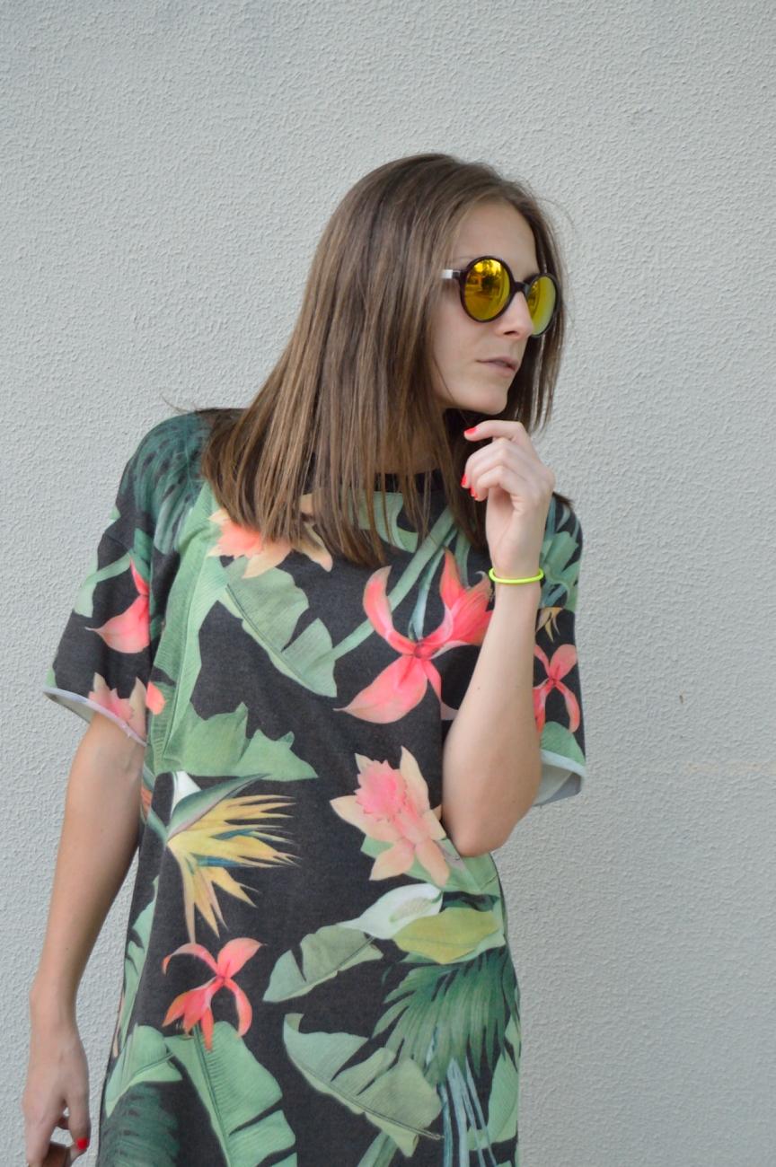 lara-vazquez-mad-lula-fashion-style-streetstyle-green-tropic-dress-summer-out
