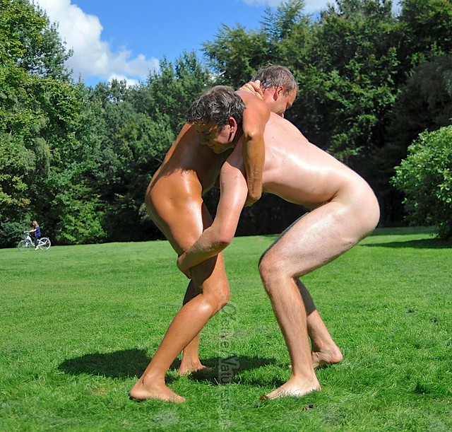 naked wrestling 0008 Tiergarten, Berlin, Germany