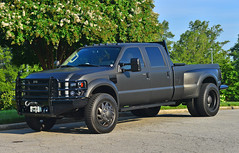 Blacked out Ford F-450 Super Duty