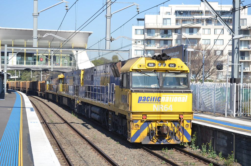 3MB4 lead by NR64 NR56 9310 heads north bound for Brisbane by NR1984