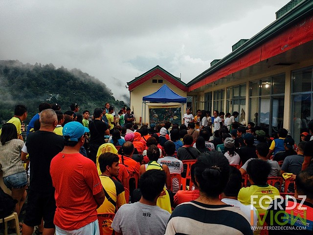 A pre-race day briefing in Banaue
