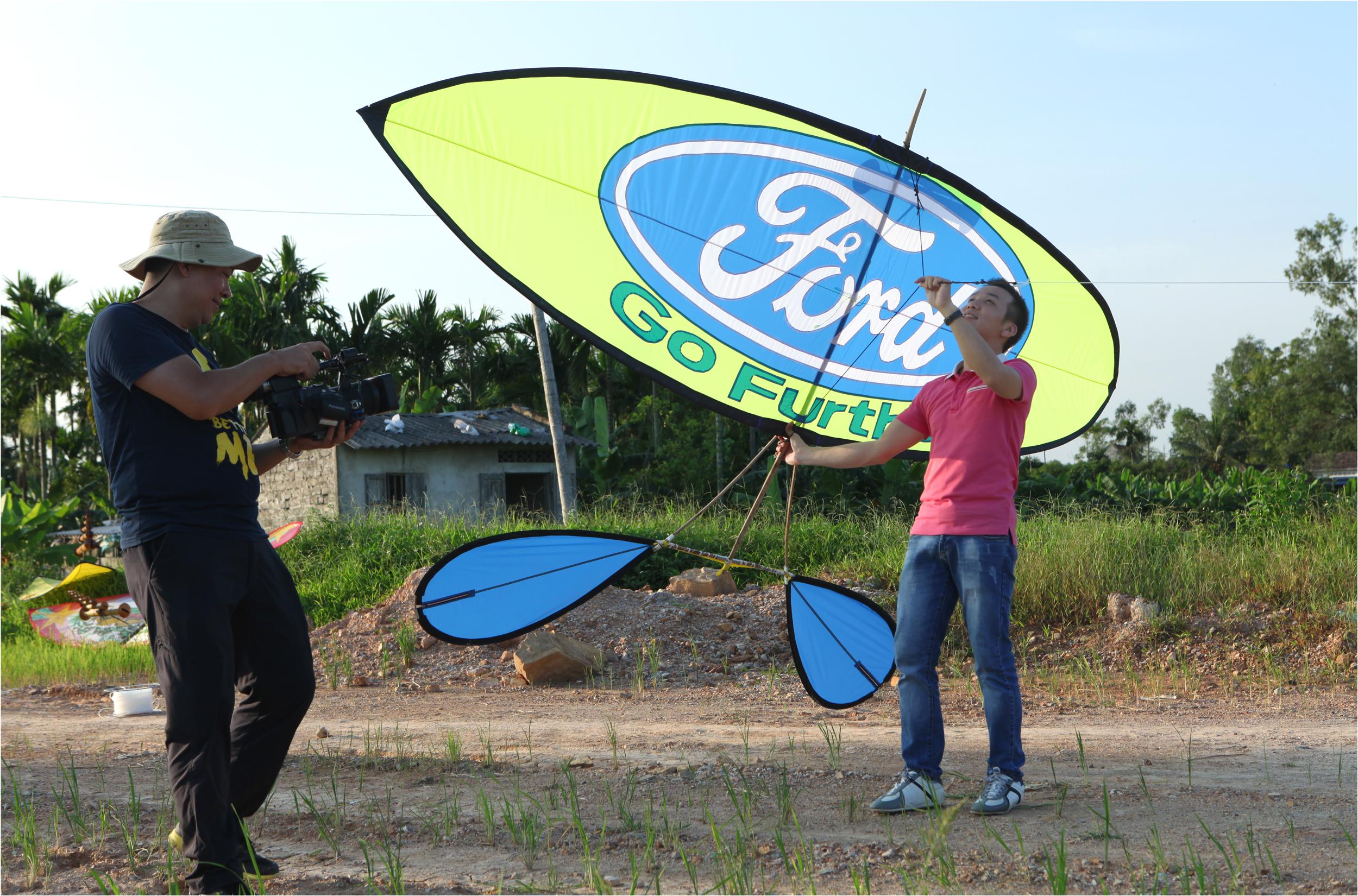 Phim hành trình khám phá thành phố của đội Eco-Fly