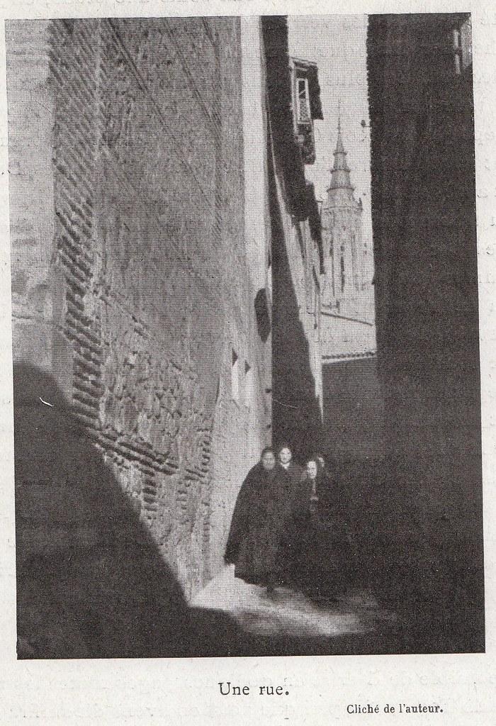 Travesía de Santa Úrsula a comienzos del siglo XX. Fotografía de Élie Lambert publicada en su libro Les Villes d´Art Célebres: Tolède (1925)
