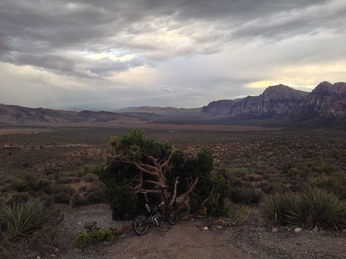 Fixie Friday at the High overlook in Red Rock Canyon