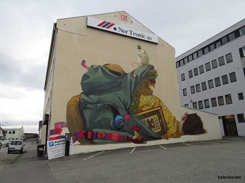 Work by Etam Cru