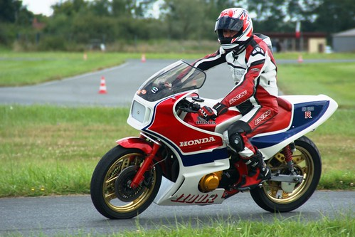Voilà une belle Honda CB1100R !