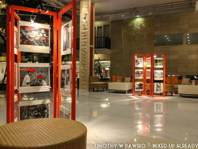 Indonesia - Bali - Harris Hotel Bukit Jimbaran - Lobby (03)