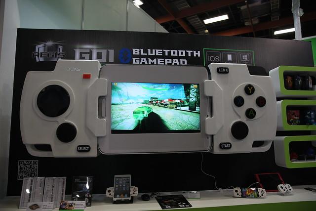 2014 COMPUTEX 有趣玩意 – i-Rock 最棒的手機遊戲手把! @3C 達人廖阿輝