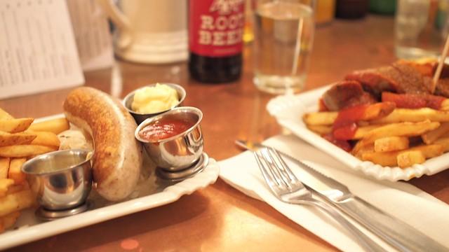 Bestie Currywurst   Vancouver Chinatown
