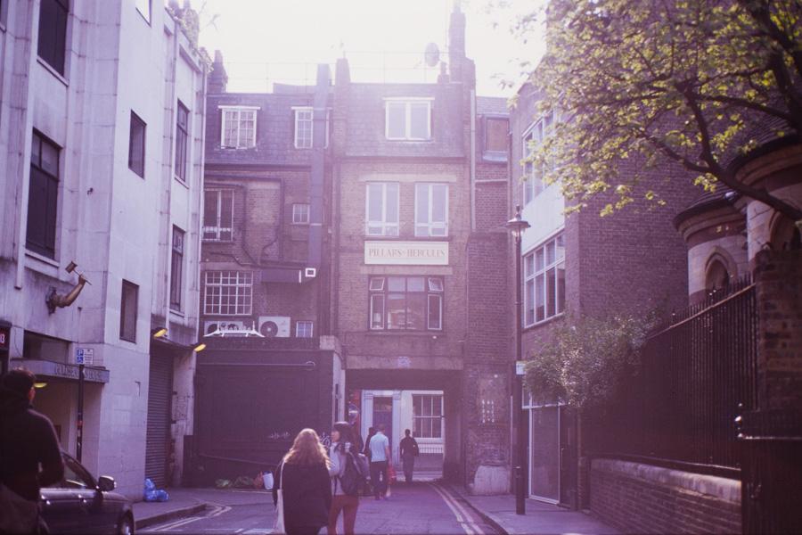 Analogt-London_14w-33