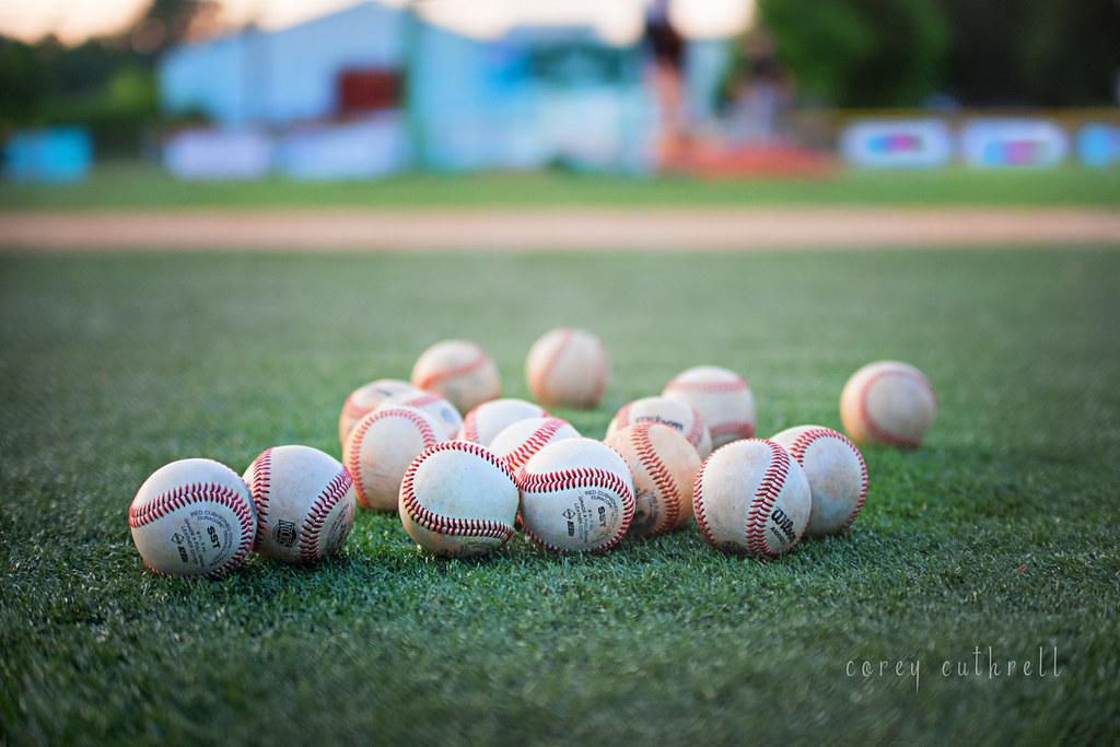 baseballs web CC