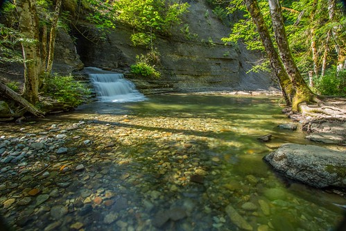 wall creek port waterfall hole britishcolumbia hidden vancouverisland geology roger alberni
