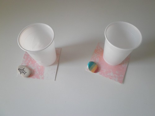 bicchieri con sassi