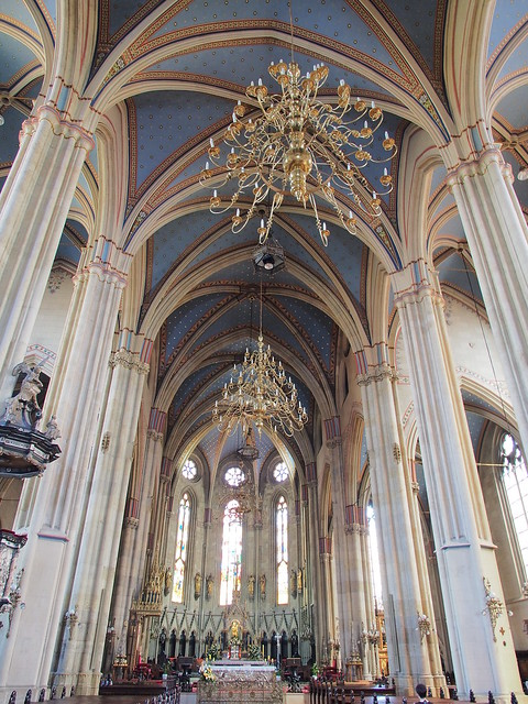 聖母升天大教堂室內景