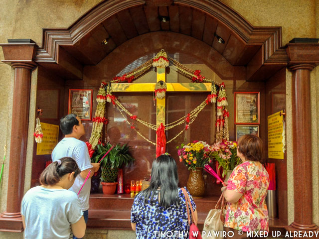 Asia - Philippines - Manila - Binondo - Pray