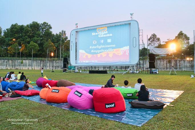 starlight-cinema-outdoor-movie-with-samsung-galaxy-life-app