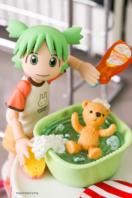 Revoltech Yotsuba washing Duralumin (Re-ment's teddy bear series)
