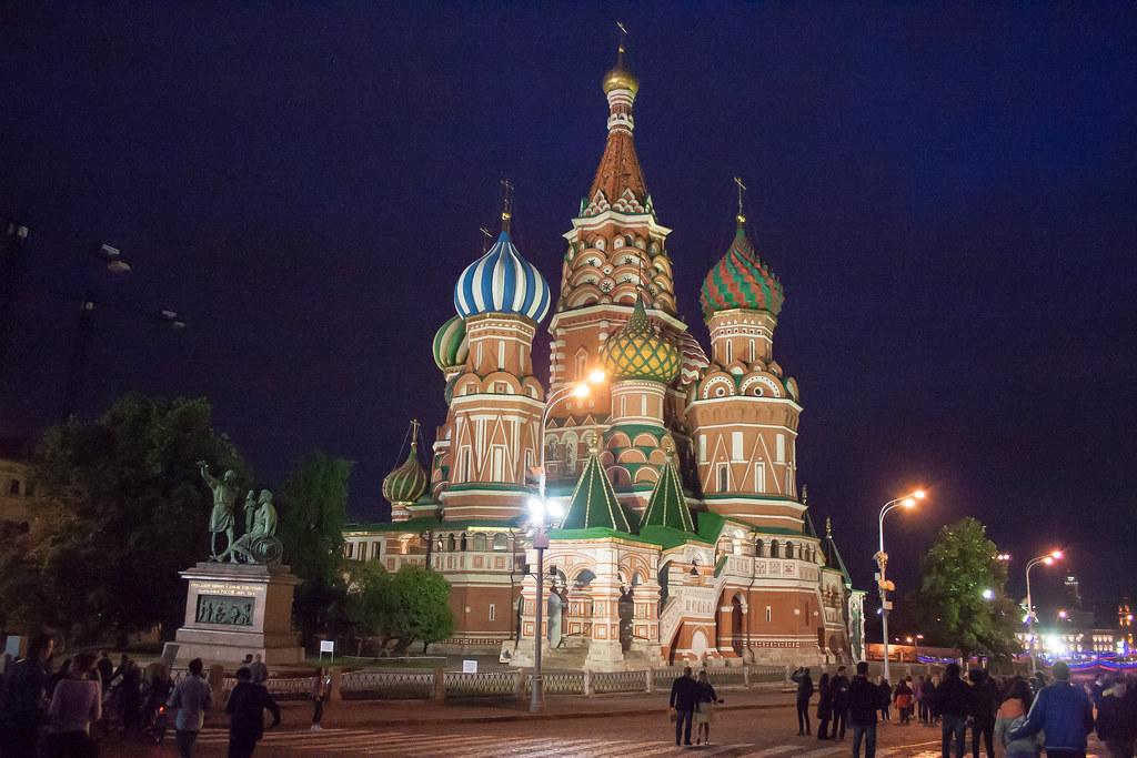 Москва. Полуношная. Покровский собор на Красной площади, Васильевском спуске