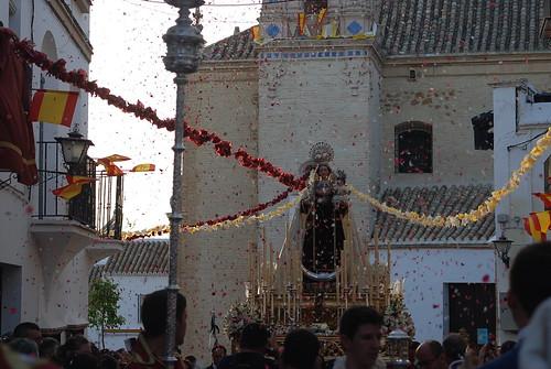 AionSur: Noticias de Sevilla, sus Comarcas y Andalucía 14489623158_8382d75374_d Una salida procesional para la historia Cultura Semana Santa