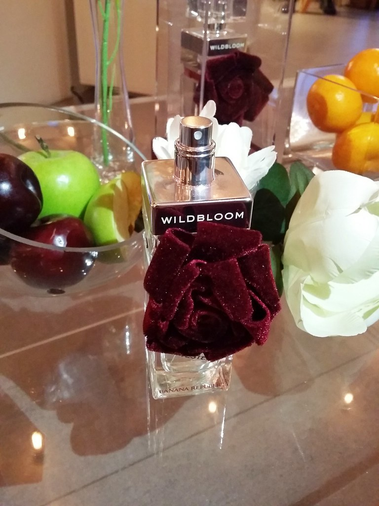 Banana-republic-wildbloom-rouge