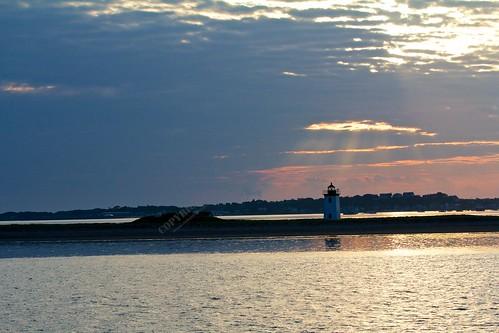 travel sunset sea usa lighthouse reflection boston clouds boat dusk provincetown capecodbay canonef70200mmf28lisiiusm robertopeli mcpeluz robertopeliphotographycom
