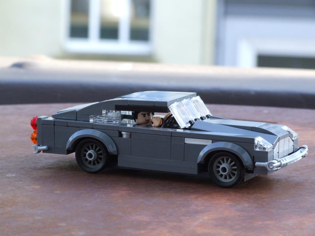 lego aston martin db5 modelle zusammengebaut. Black Bedroom Furniture Sets. Home Design Ideas