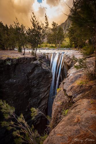 nature water clouds sunrise canon landscape eos waterfall eau nuages paysage cascade cirque réunion coucherdesoleil eauxvives mafate randonnée troisroches 5dii bemezpictures