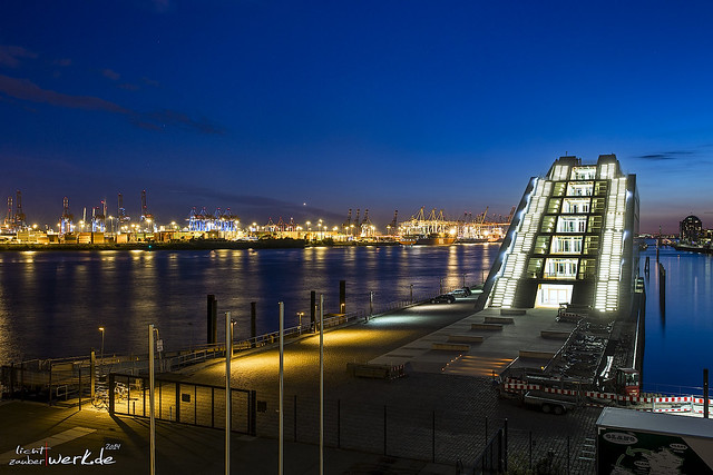dockland@night