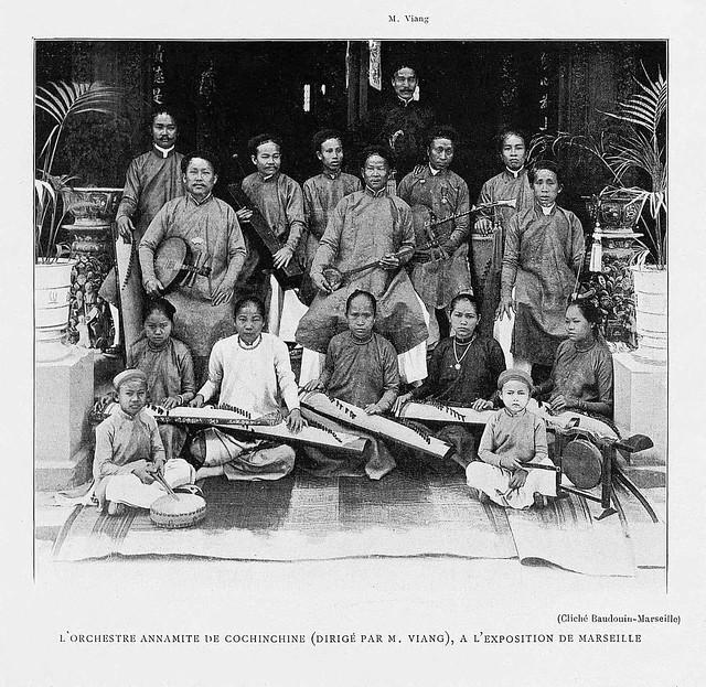 L'INDOCHINE 1906 - L'Orchestre annamite de Cochinchine (dirigé par M. Viang), à l'Exposition de Marseille (1906)