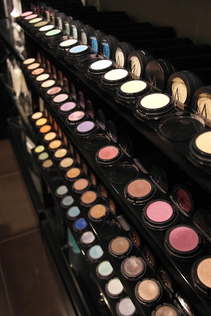 makeupstoreeyesanni