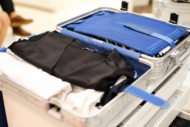 PACK 1 WEEK OF BUSINESS AND LEISURE IN A RIMOWA TOPAS CABIN