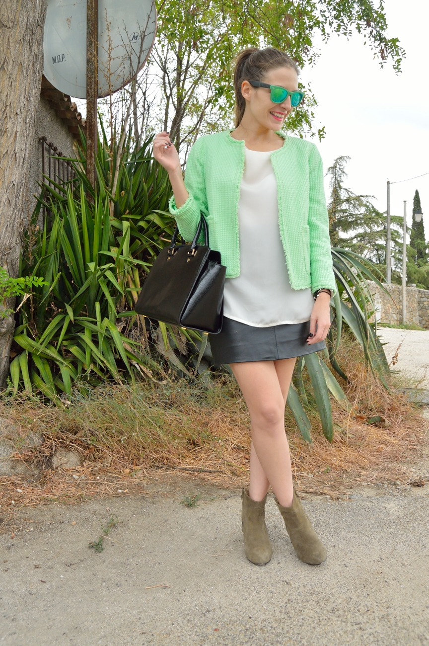 lara-vazquez-mad-lula-style-streetstyle-look-green-touch