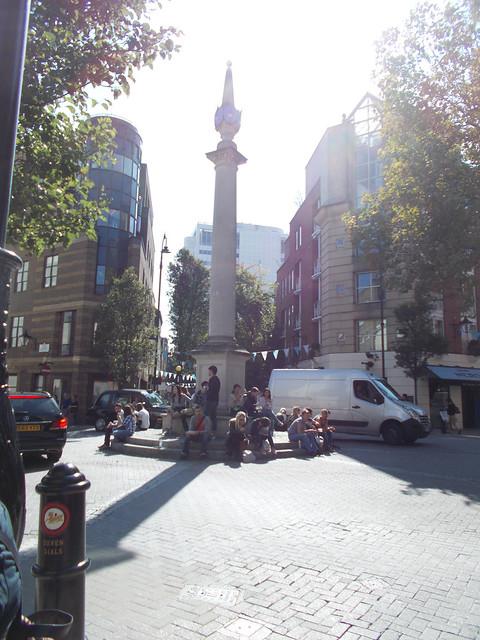 LONDON 0966