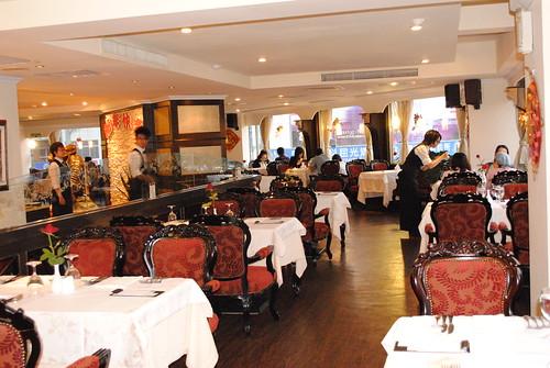 高雄新國際西餐廳的成長-改裝後1