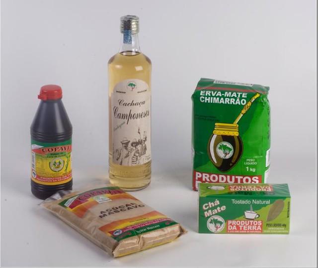 Além do leite, a cooperativa produz cana-de-açúcar, da qual são feitos melado, cachaça e açúcar mascavo - Créditos: Divulgação